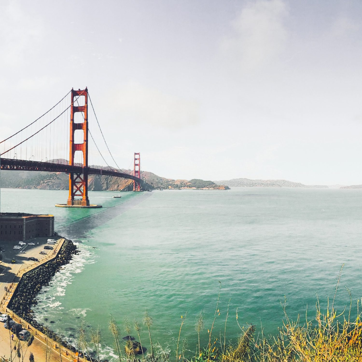 the history of the construction of the golden gate bridge The golden gate strait is the reason for the strong tides, frequent winds, fog, and  salt air, all of which posed challenges for building a bridge across it in addition.